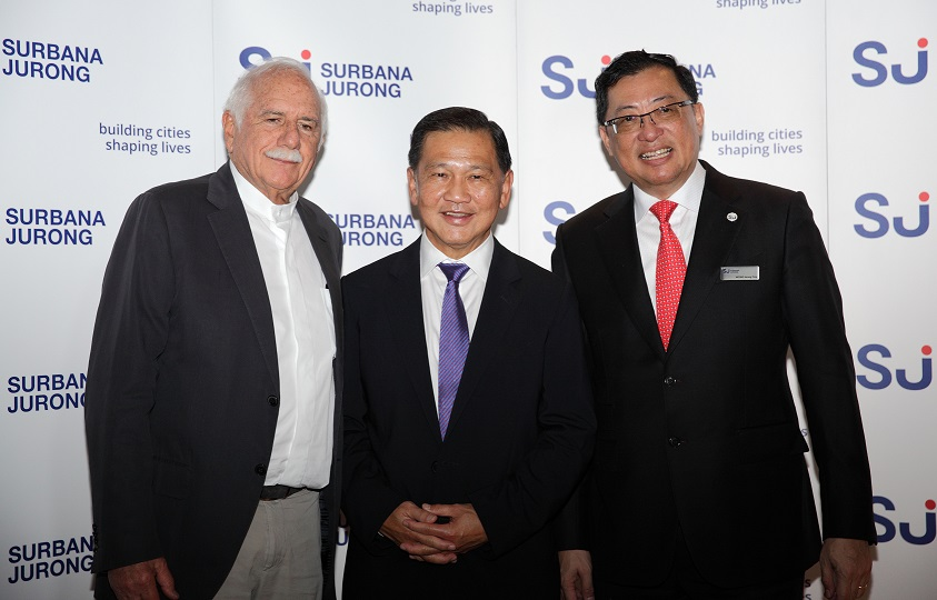 From left: Safdie, Liew and Wong at the signing ceremony of the partnership between Safdie Architects and Surbana Jurong on May 25