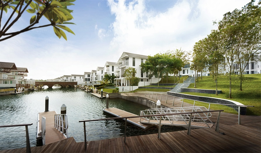 The houses in Phase 1A of Emerald Bay with water views and private berths