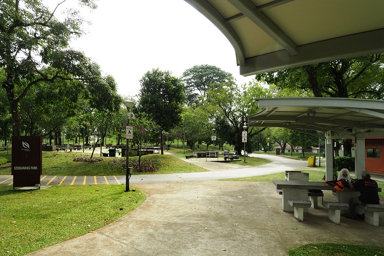 The nearby Sembawang Park is popular with nature lovers and anglers