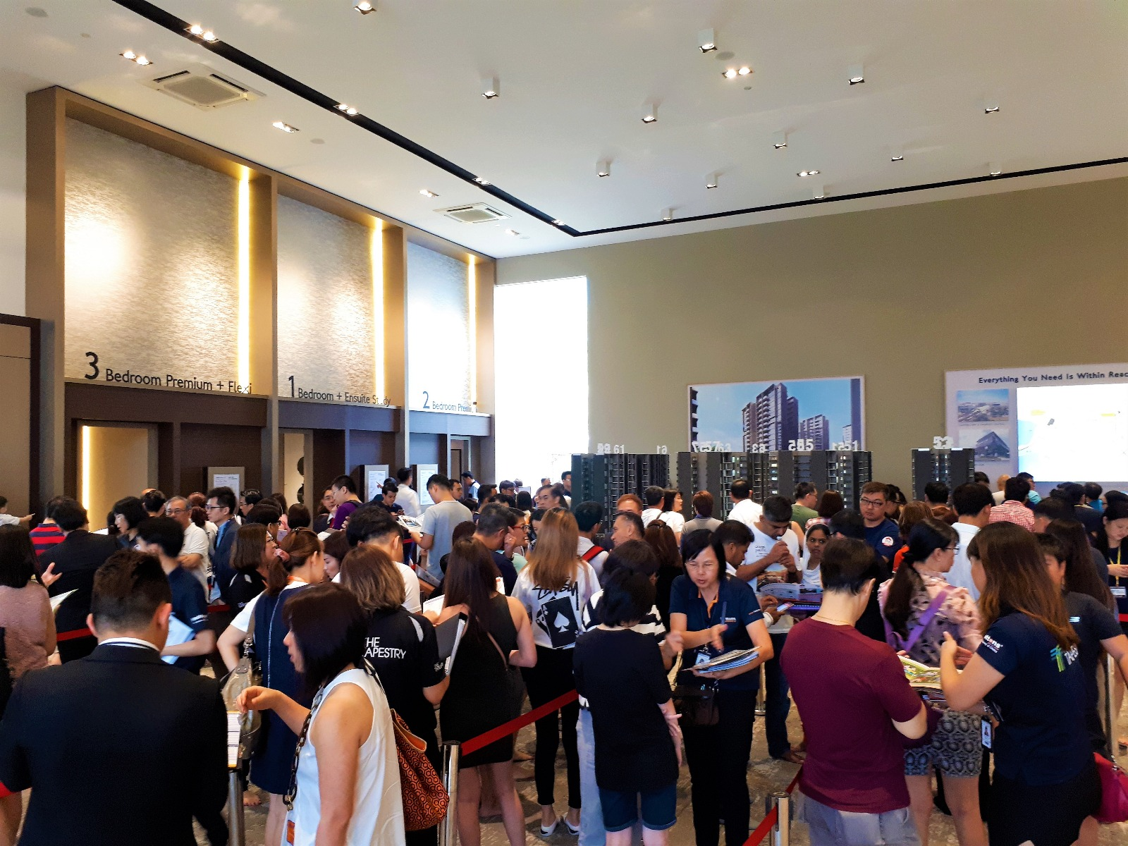 Crowds at The Tapestry's showflat during the weekend of its preview (March 10 & 11) (Credit: Huttons Asia) - EDGEPROP SINGAPORE