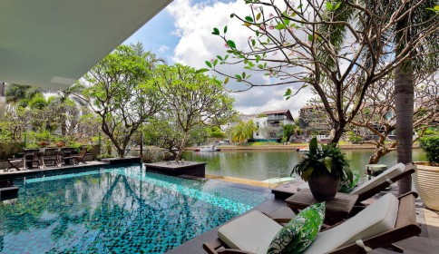 A slice of Paradise on Sentosa Cove